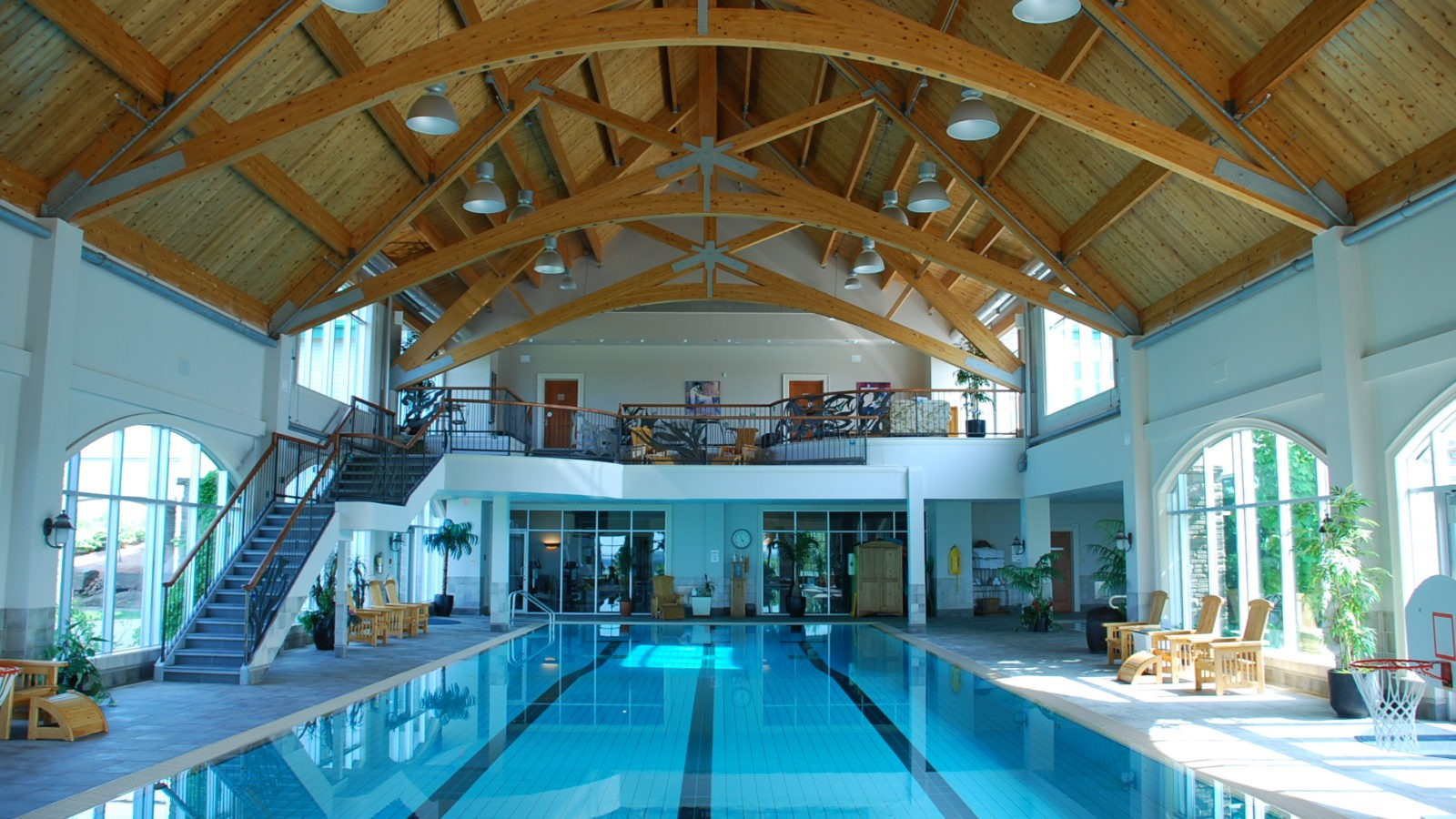 fox-harbr-resort-pool-spa-end_38342588204_o